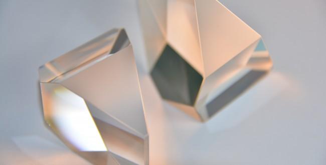 氧化铈与硅酸盐玻璃的化学活性较高